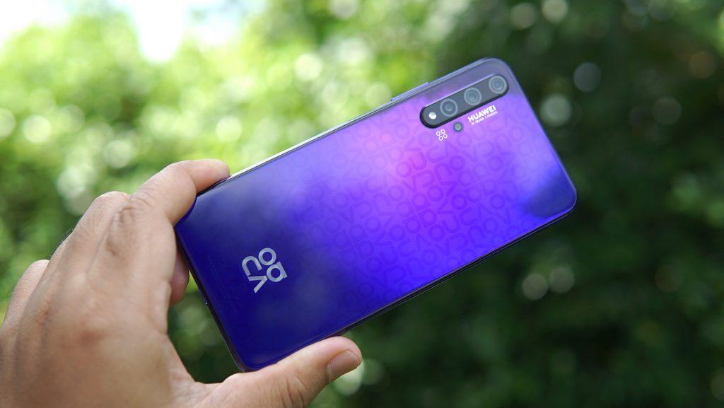 สมาร์ทโฟน Nova 5T