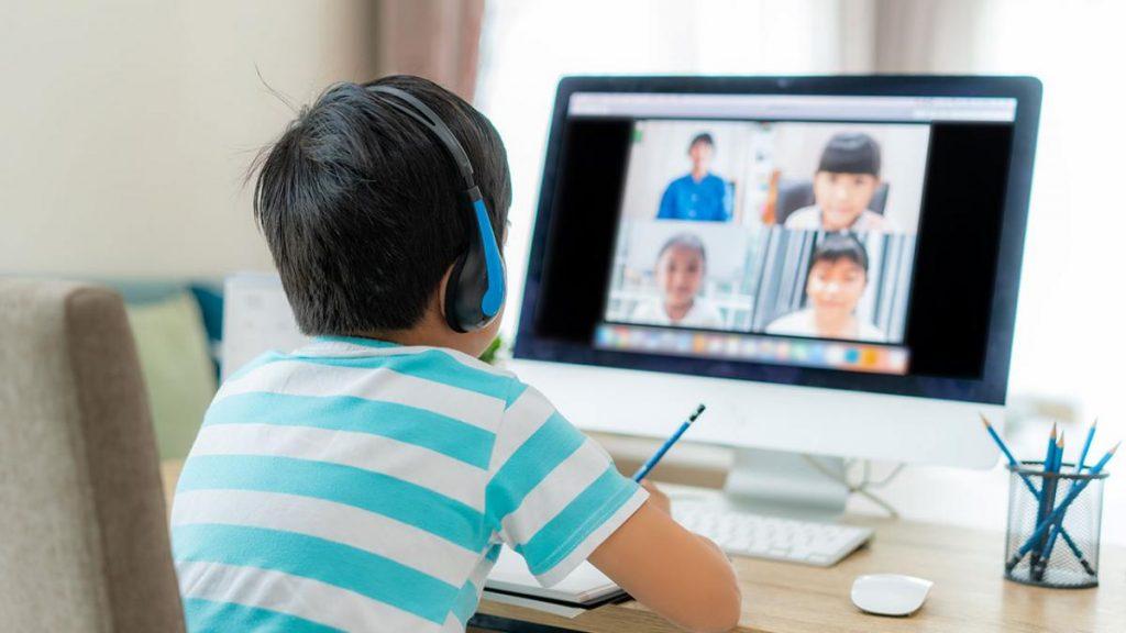 เทคโนโลยีการศึกษา-เรียนที่บ้านผ่านระบบออนไลน์