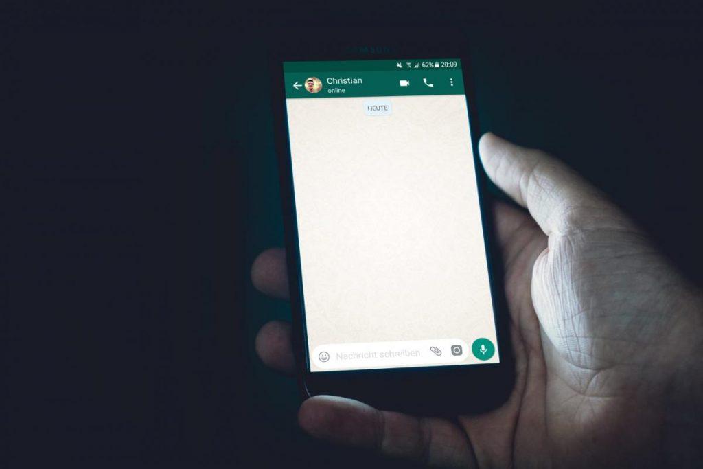 Whats App-มือถือในที่มืด